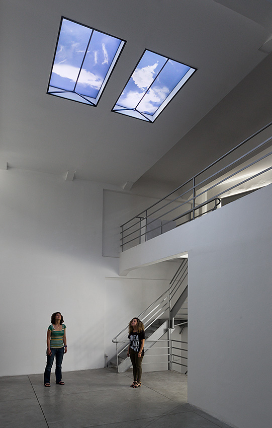 LE_Skylight_InstallationView_2014